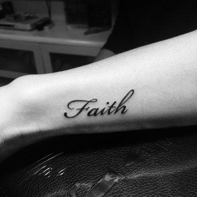 手腕faith纹身-缩略图