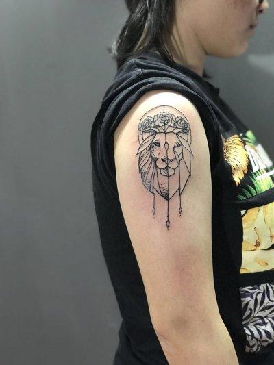 手臂狮头纹身-缩略图
