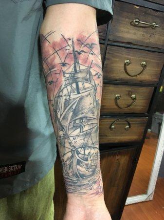 手臂帆船纹身-缩略图