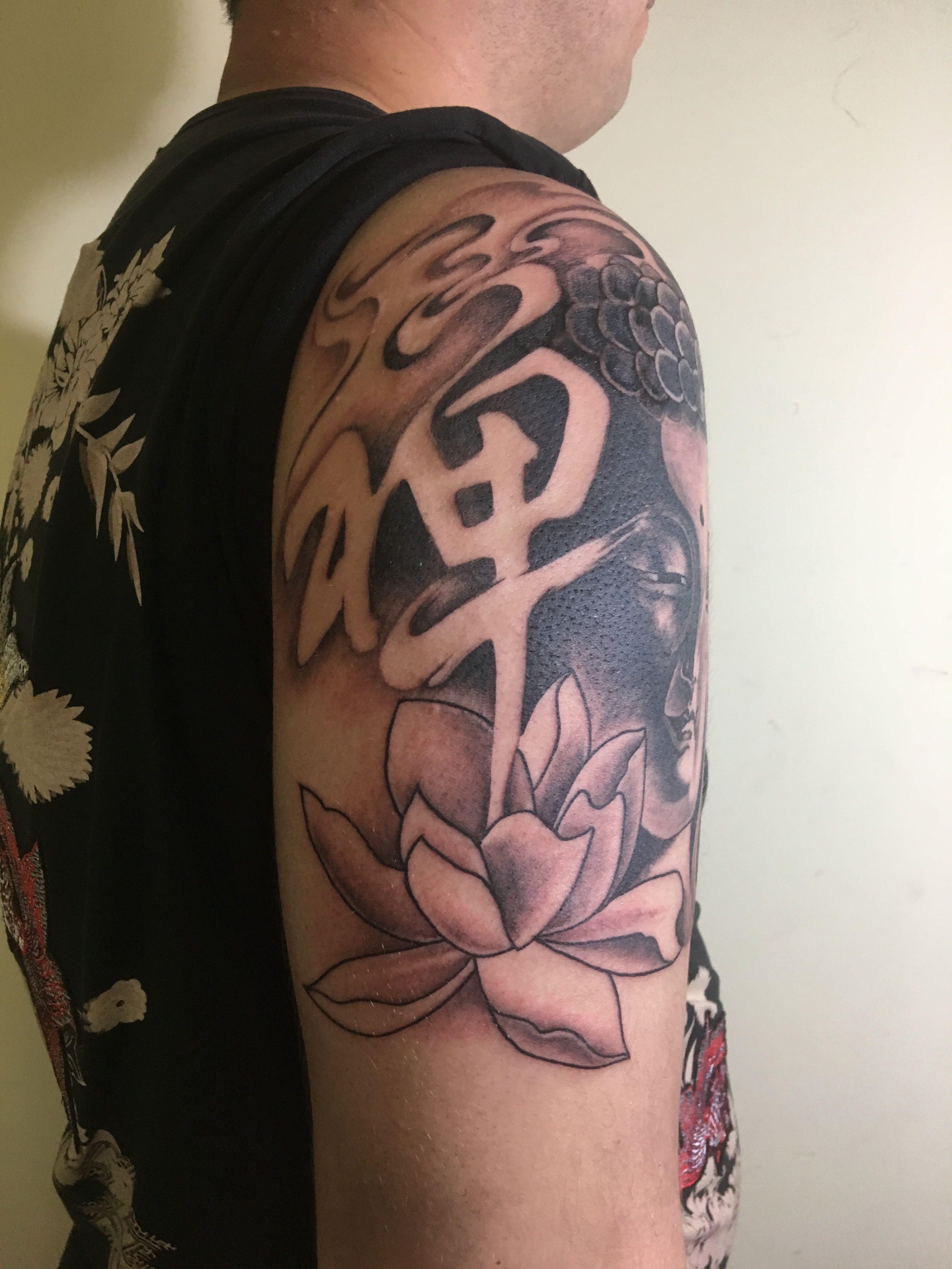 深圳禅荷花纹身