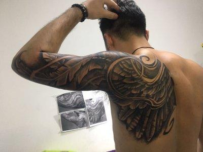 背部翅膀纹身-缩略图
