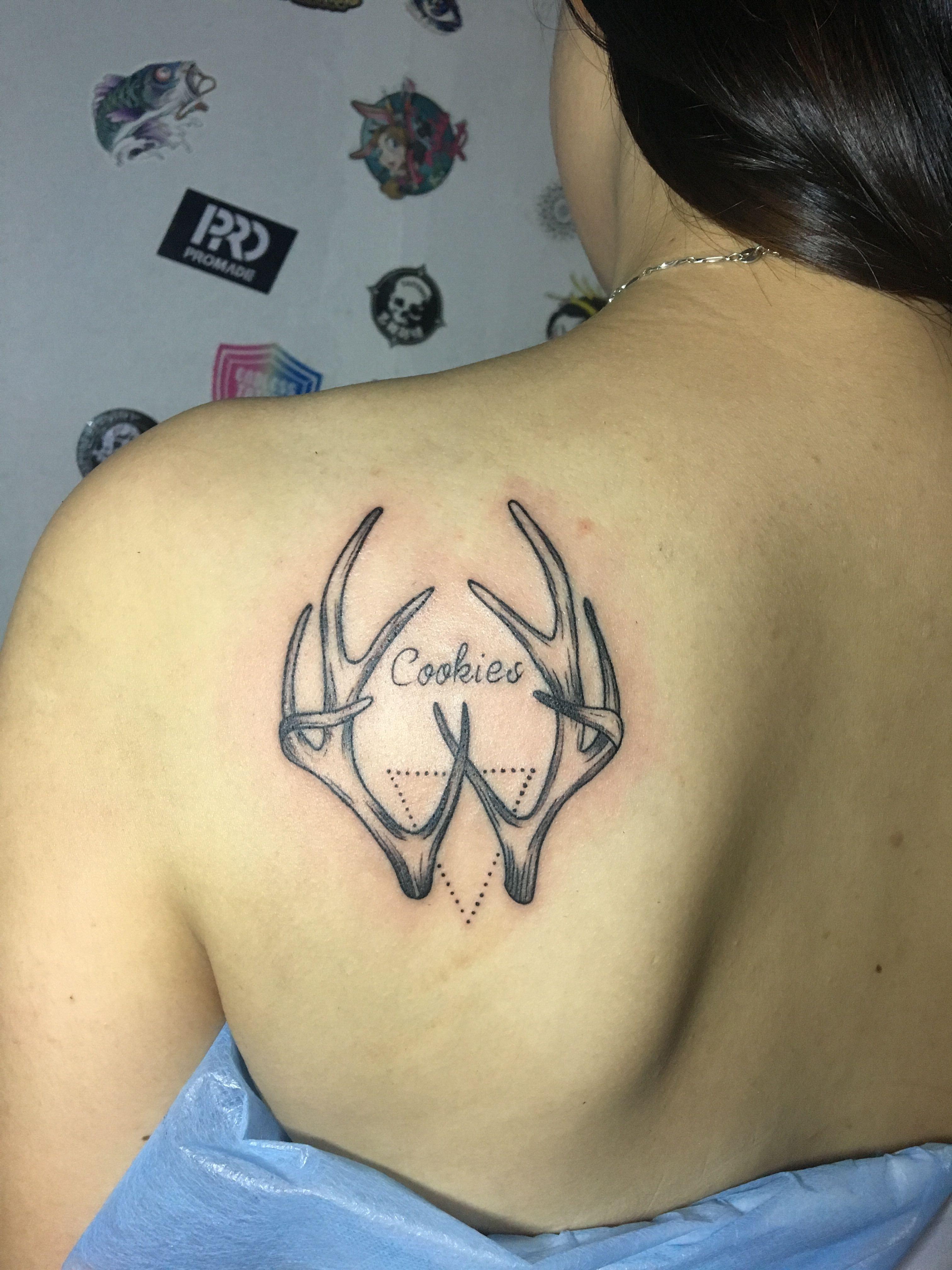 背部鹿角纹身