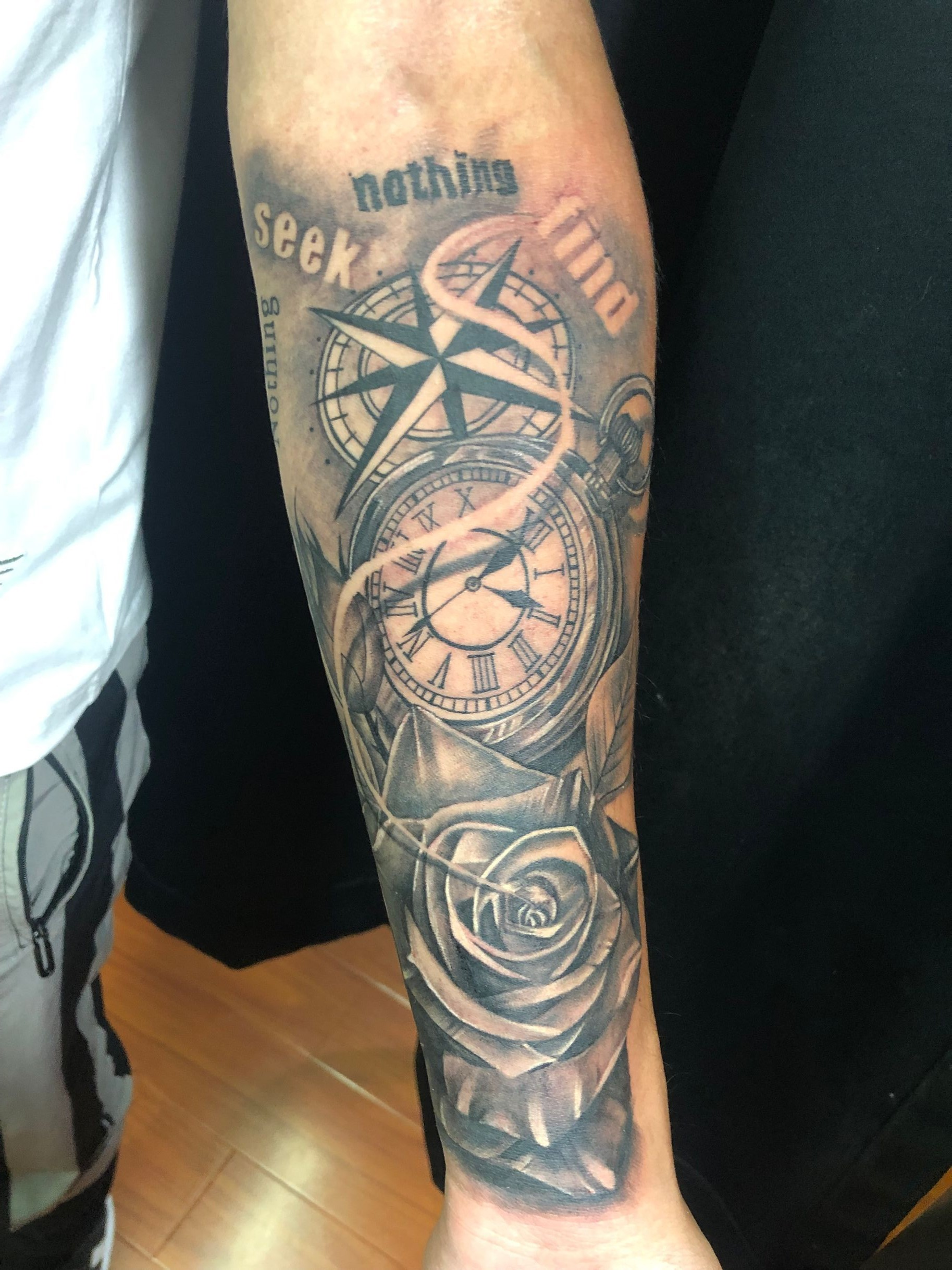 指南针与玫瑰-缩略图